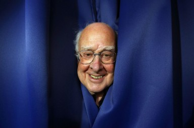 RNPS IMAGES OF THE YEAR 2012 - Professor Peter Higgs poses for a photograph following a news conference at the launch of The University of Edinburgh's new Higgs Centre for Theoretical Physics, Scotland July 6, 2012.  REUTERS/David Moir (BRITAIN - Tags: SCIENCE TECHNOLOGY EDUCATION SOCIETY)CODE: X02060
