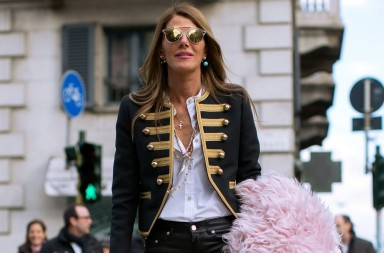 Anna dello Russo paseando por las calles de Milan 18 Jan 2015 - MILAN - ITALY Anna dello Russo leaving John Richmond Fashion Show 362/cordon press  XPUSKS
